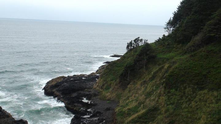 130424_rocky_shore