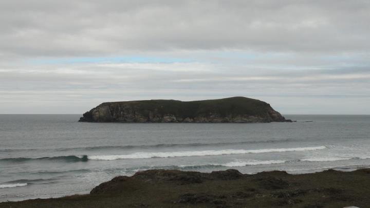 130510_rock_island_ocean