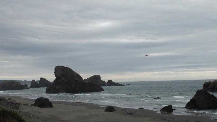 130512_lots_of_rocks_shoreline