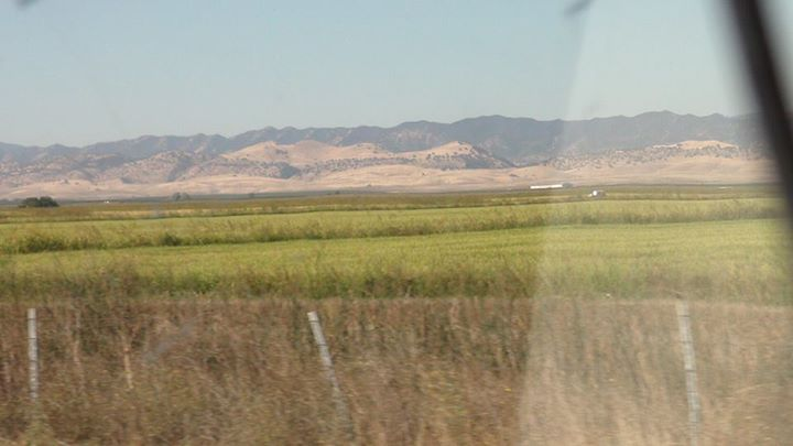 130527_grasslands_mountains