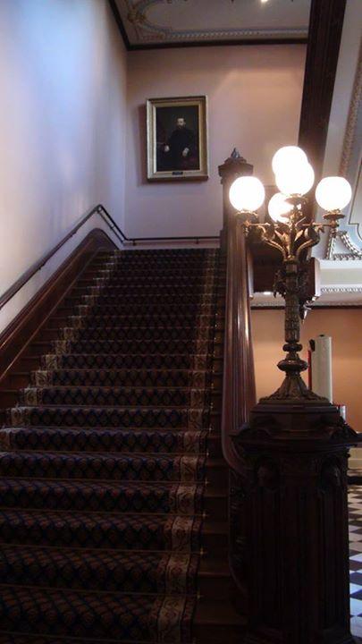 130619_wooden-stairway