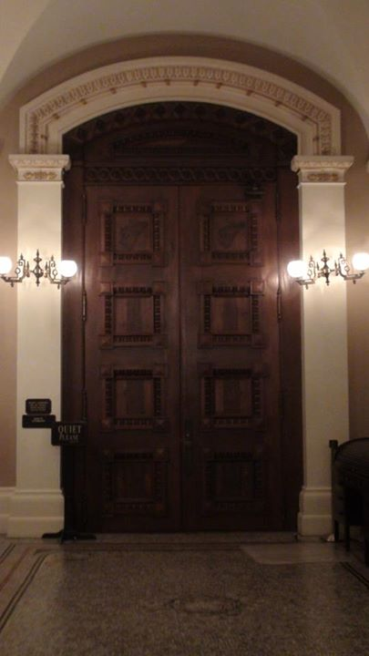 130625_wooden-door