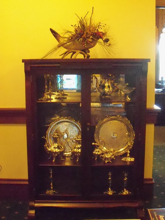 150101_cabinet_display