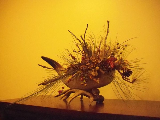 150102_horn_floral_display