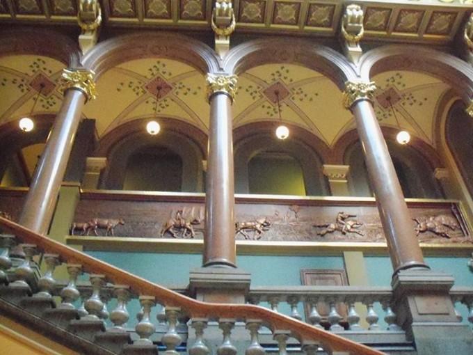 150405_elegant_stairway