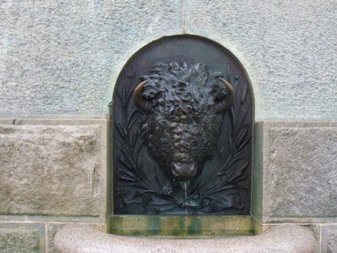 150729_bronze_bull_head