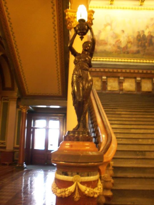 150814_banister_bronze_lady_lamp