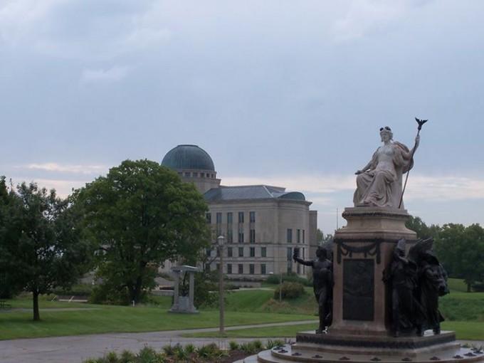 151019_big_outdoor_statue
