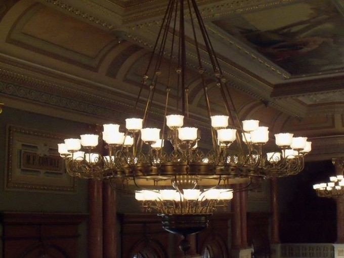 151127_house_chandelier